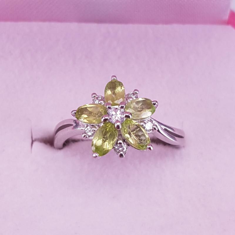 Natural Paridot Ring.