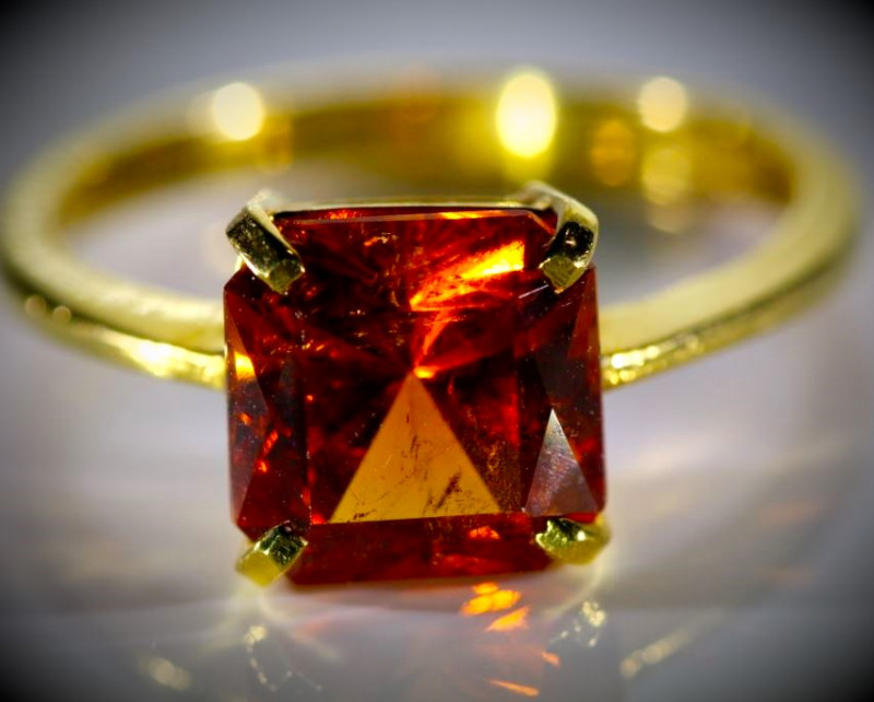 Spessartine 4.02ct Solid 22K Yellow Gold Ring