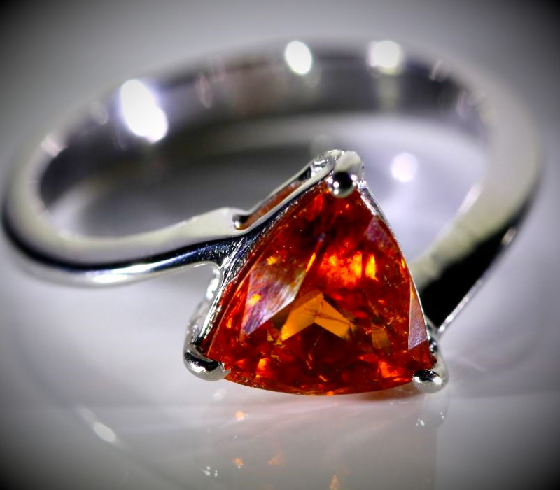 Spessartine 1.25ct Solid 18K White Gold Ring