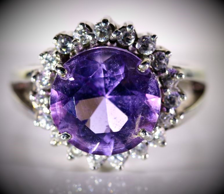 Amethyst 5.60ct Solid 925 Sterling Silver Ring  7.30g