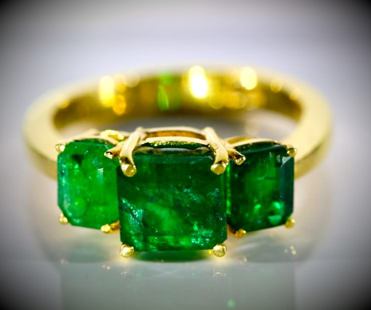 Emerald 3.35ct Solid 22K Yellow Gold Multistone Ring