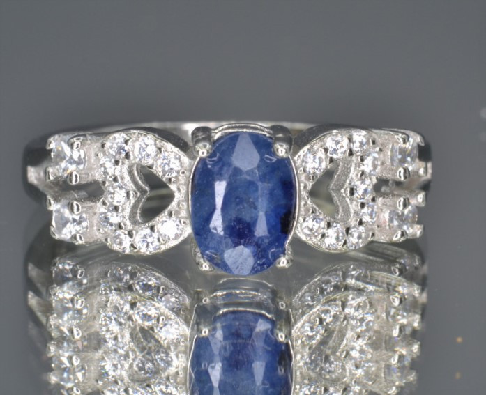 Natural Sapphire 14.72 Cts CZ and  Silver Ring