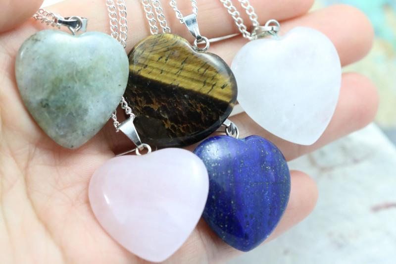 Promotional Five  Heart Shape Gemstone Pendants for Lovers  NA 663