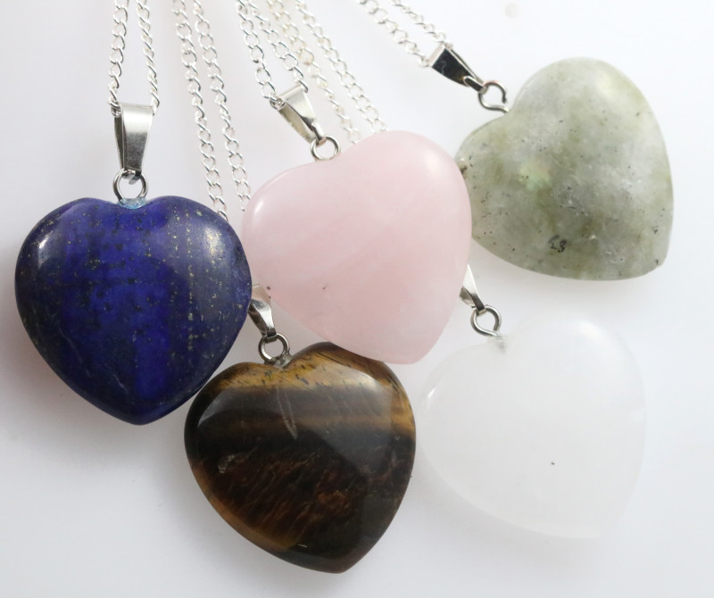 Promotional Five  Heart Shape Gemstone Pendants for Lovers  NA 665