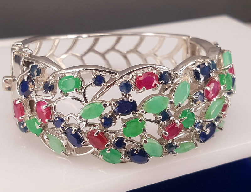 Natural emerald Ruby and Sapphire Bracelet bangle..