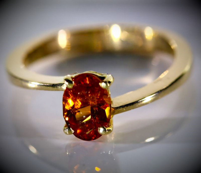 Spessartine 1.39ct Solid 18K Yellow Gold Ring