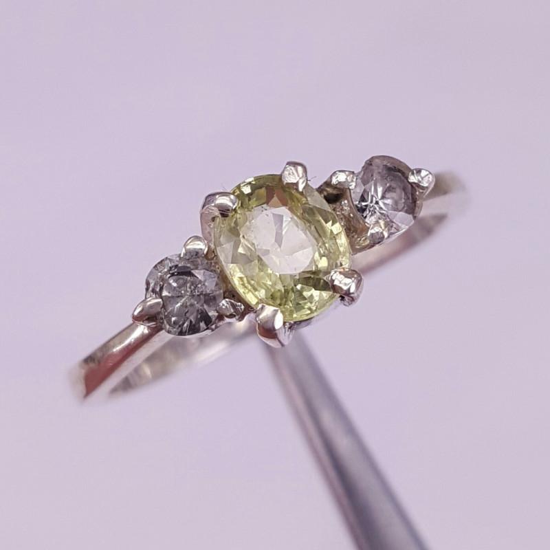Natural Chrysoberyl/Alexandrite and white sapphire Ring.