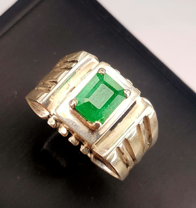 Gents Natural Emerald Ring