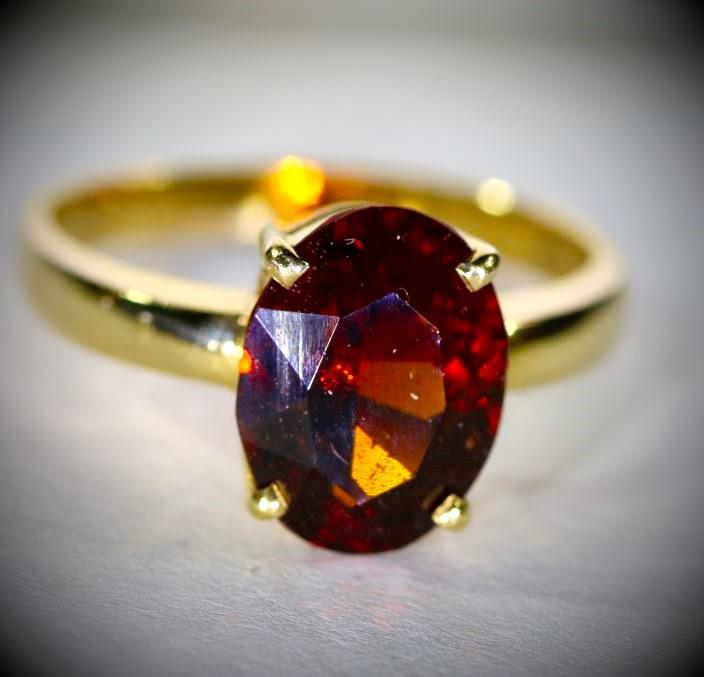 Malaya Garnet 3.52ct Solid 18K Yellow Gold Ring