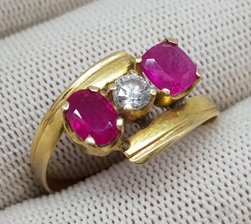 Natural Ruby And Diamond 17.10 Carats 21K Gold Ring