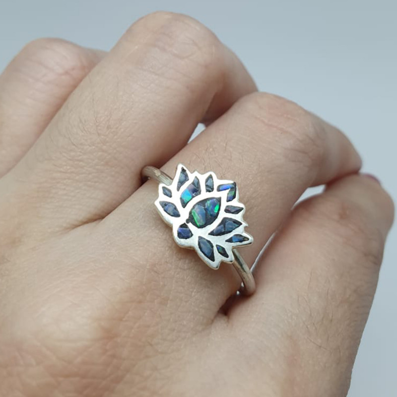 950 silver ring with opal mosaic shaped like a lotus flower