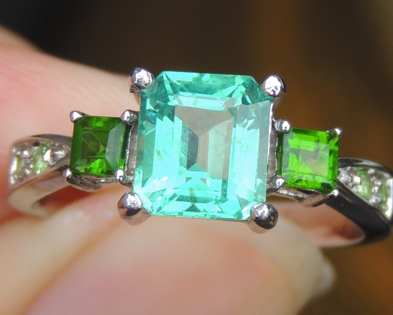 Apatite with Tsavorite and Chrome Diopside  in Rhodium
