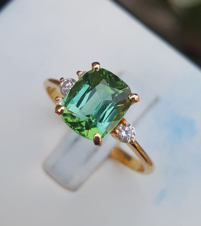 18k Gold Natural Tourmaline and Diamonds Ring.