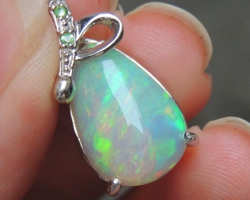 3.12cts Opal w/ Tsavorite in Rhodium Pendant