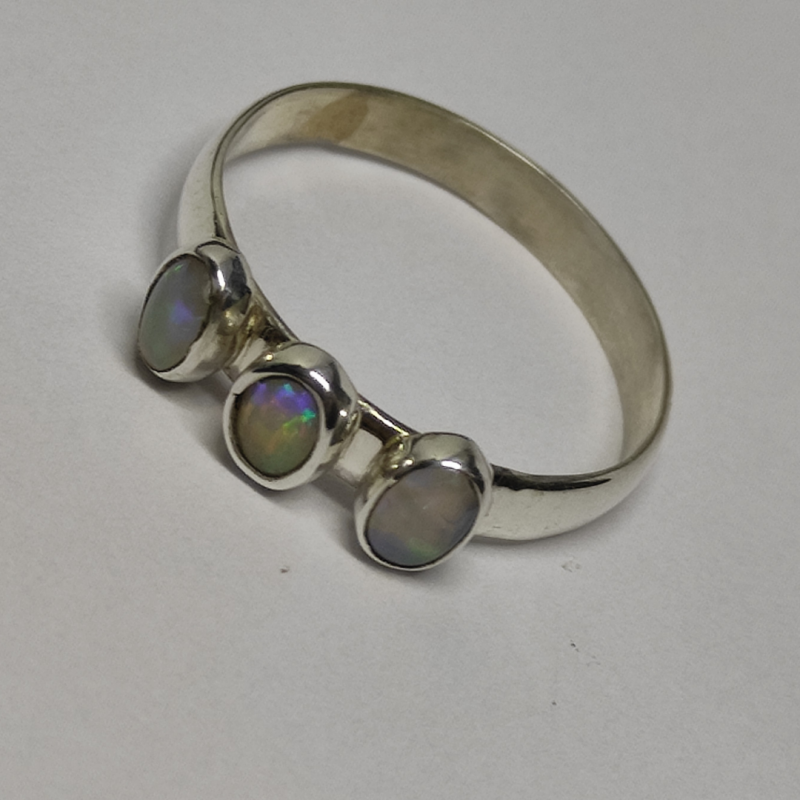 950 silver ring with solid oval opals