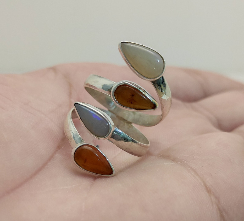 950 silver ring with solid opal and fire - 4 stones