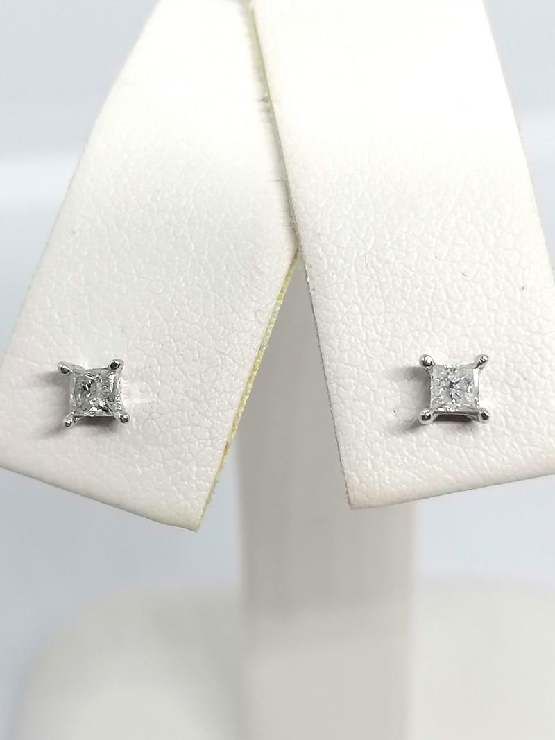 Certified Diamond Earrings 0.20tcw - 9kt. Gold