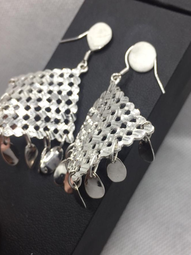Attractive Design Silver Earring.