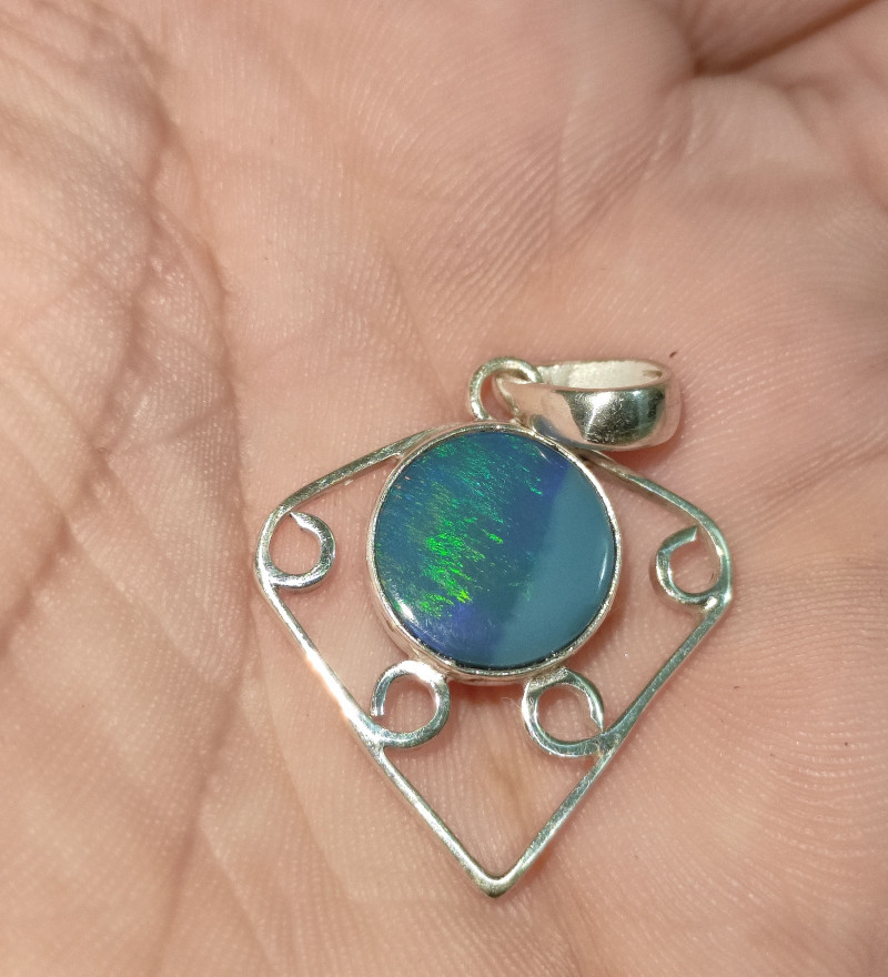 Pendant in silver 950 with opal doublet drop shape