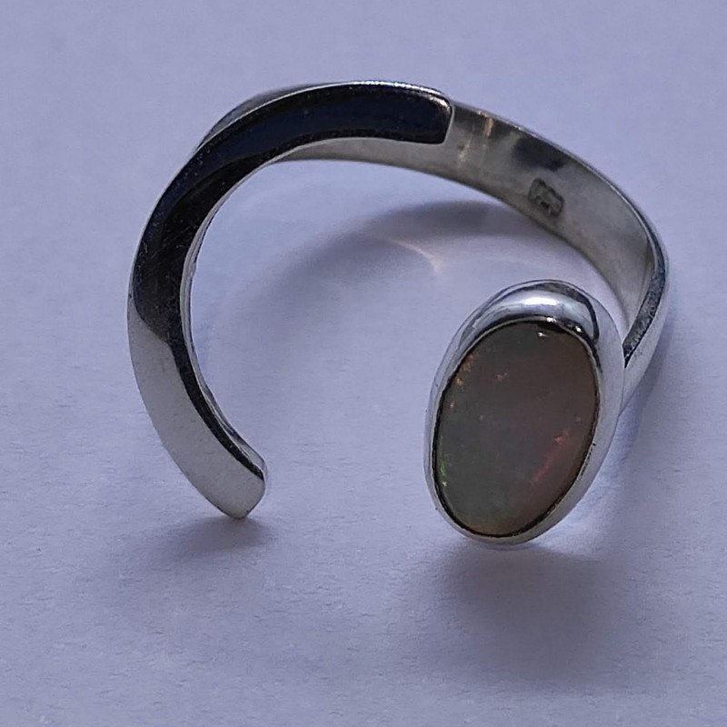 950 half moon silver ring with solid opal -oval