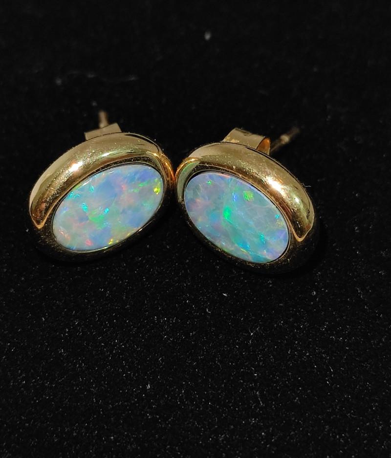 14k gold oval shape earrings