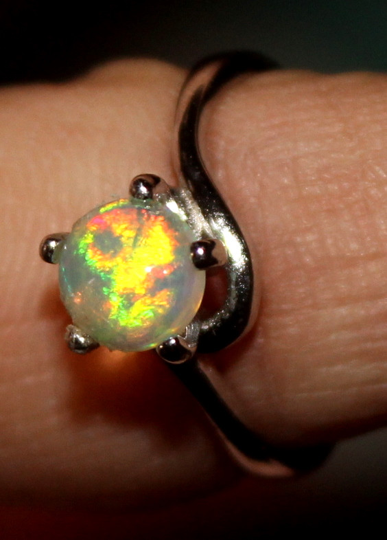 Natural Ethiopian Welo Opal 925 Silver Ring 78