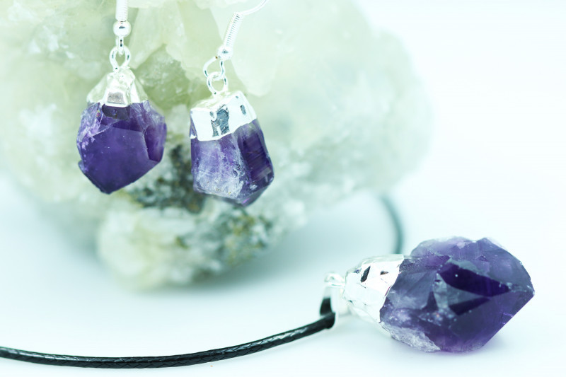 Twelve Raw Amethyst Points 36pc Pendant and earring BREAMP-12