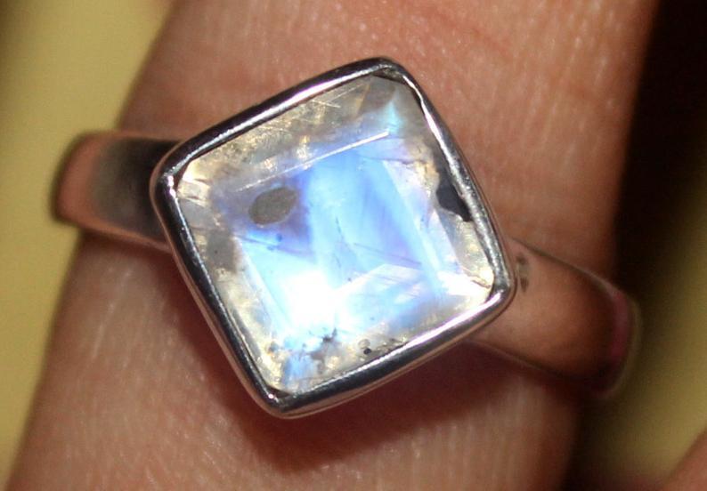 Natural Rainbow Moonstone 925 Silver Ring 140