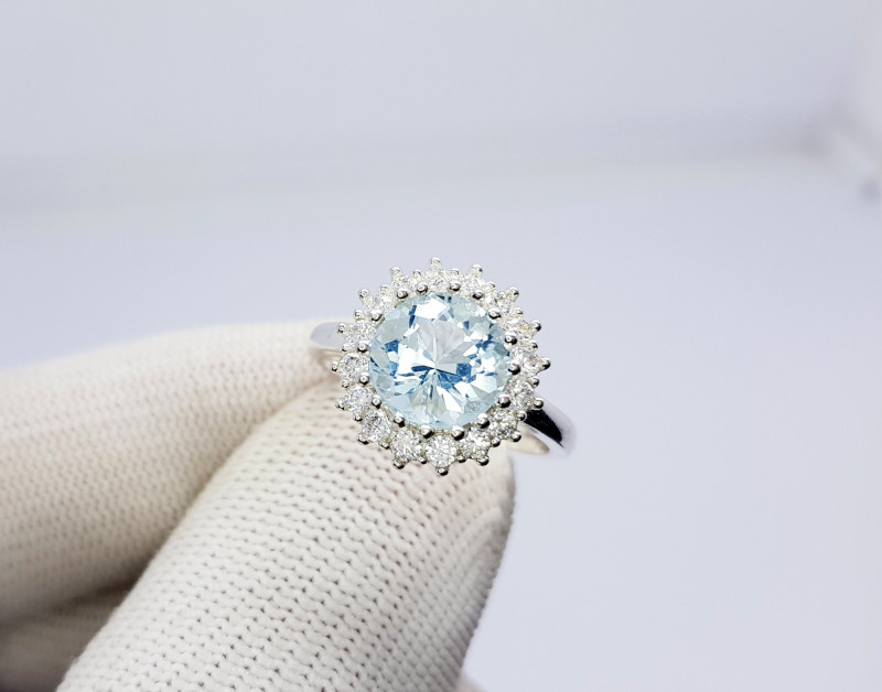Natural Sea Blue Round Aquamarine 925 Sterling Silver Ring