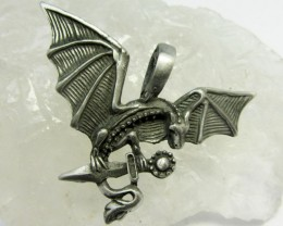 FREE SHIPPING QUALITY MADE PEWTER PENDANT  QT 566