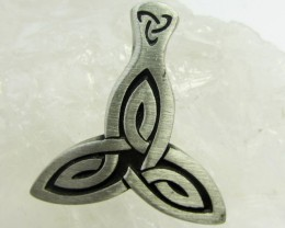 FREE SHIPPING QUALITY MADE PEWTER PENDANT  QT 575