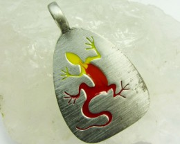 FREE SHIPPING QUALITY MADE PEWTER PENDANT  QT 584