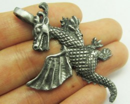FREE SHIPPING QUALITY MADE PEWTER PENDANT  QT 587
