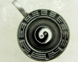 FREE SHIPPING QUALITY MADE PEWTER PENDANT  QT 592