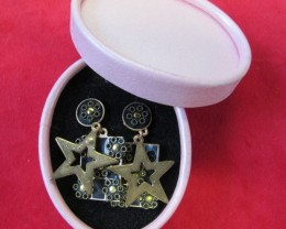 HAND MAN GIFT BOX EARRINGS agr 696