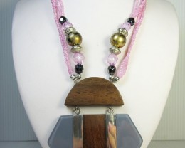 FASHION NATURAL WOOD    STYLE  NECKLACE    QT197