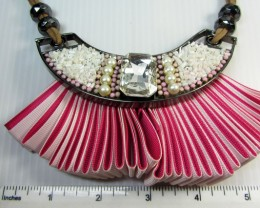 FASHION PINK FAN STYLE  NECKLACE    QT257