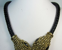 GOLD SNAKE HEAD FASHION  STYLE  NECKLACE    QT 297