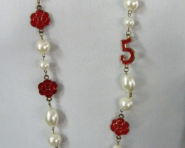 NUMBER 5 HIGH LUSTER PEARL NECKLACET  QT 448