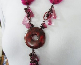 PINK FLUFFY  FASHION  STYLE  NECKLACE    QT 455