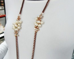LONGPEARLS  FASHION  STYLE  NECKLACE    QT 4