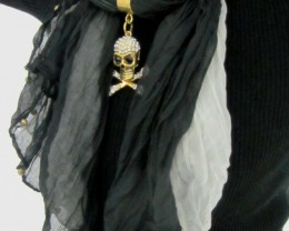 WHITE  BLACK SCARF WITH FOCAL MOTIF SKULL  QT 492