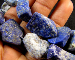 518 CTS ROUGH LAPIS LAZULI STYAND BEADS AAT 2132
