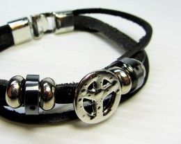 PARCELTHREE BLACK  LEATHER BRACELETS QT 516
