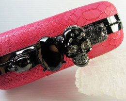 SKULL HANDBAG-HOT PINK CROCIDILE SKIN DESIGN QT529