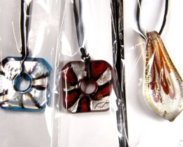 PARCEL THREE VENETIAN GLASS PENDANTS GTT 756