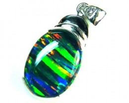 BEAUTIFUL BRIGHT  OPAL PENDANT      ML554