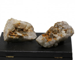 2053 Cts 2x Queensland Terminated Crystal Point  NA2