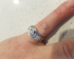 Diamond set in 18Ct White Gold Ring
