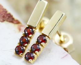 14k Yellow Gold Garnet Earrings - E12205 - G61
